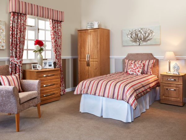 Marcello Bedroom Furniture Package in Red Scheme